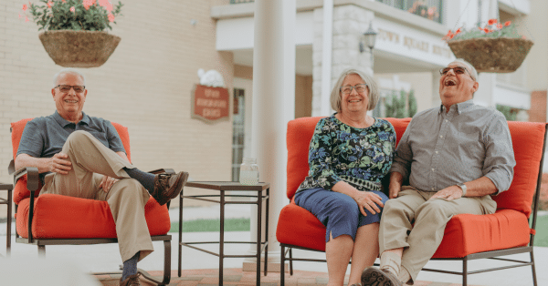 What's the Difference Between a Nursing Home and a Retirement Community?